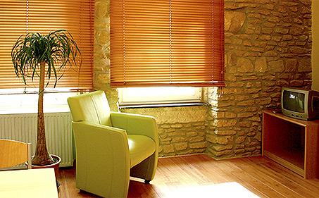 albergo studio hotel restaurant da marco luxembourg studio en location. Black Bedroom Furniture Sets. Home Design Ideas